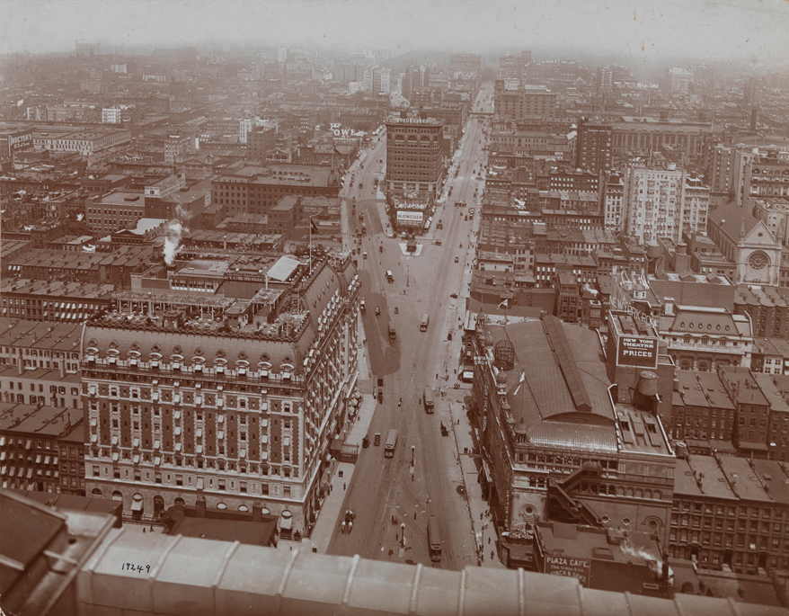 Times Square looking north from the Times Tower between 1904 and 1909